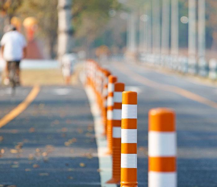 Pilonas y bolardos para carreteras urbanas